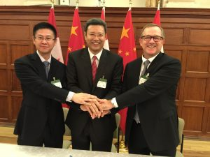 From left to right: Huagang Li, Vice president, Shanghai Electric, Qian Zhimin, President, China National Nuclear Corporation, Sandy Taylor, President, Power, SNC-Lavalin (CNW Group/SNC-Lavalin)